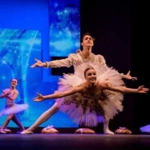 Bailarina de Cascavel ganha bolsa para se profissionalizar na dança